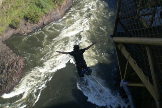 Shearwater Victoria Falls - Bungee, Bridge Tours and Activities: salto en el rio sambesi 200 mt libres