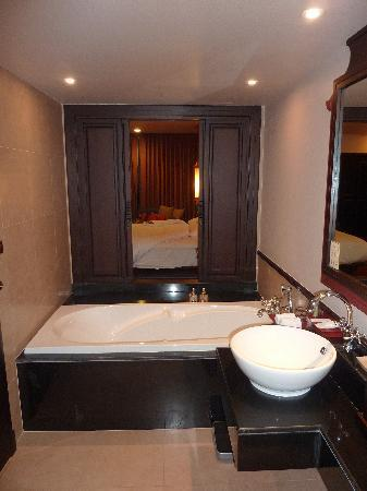 Siripanna Villa Resort & Spa: Bathroom