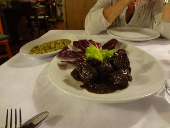 I Toscano : Stewed beef with wine and peppercorns