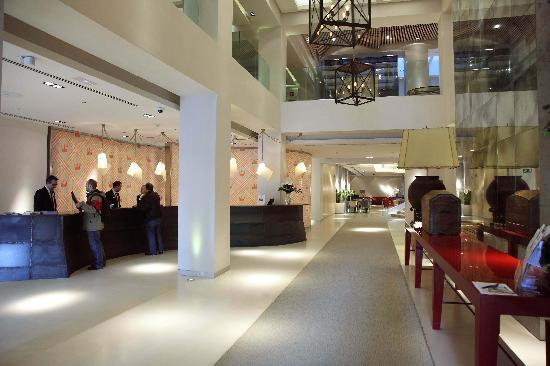 Alfonso Hotel: Recepción - entrada