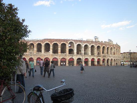 Arena di Verona: The Ancient Arena