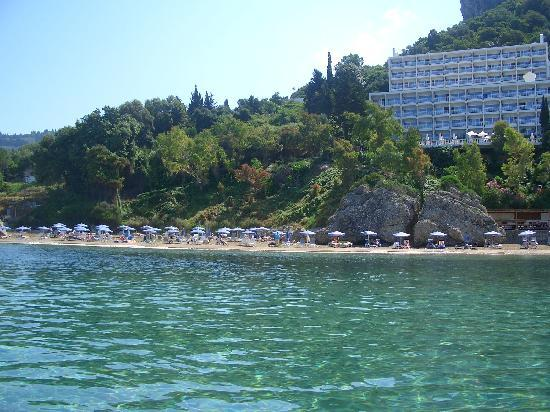 Mayor La Grotta Verde Grand Resort: hotel view from sea