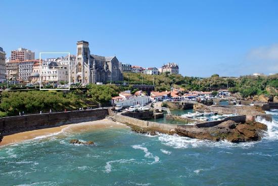 Hotel de l'Ocean: Emplacement de l'hôtel - Biarritz centre et plages à pied