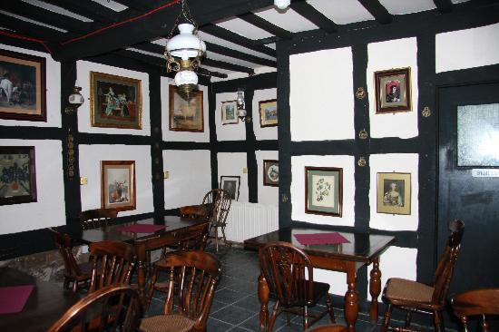 The Tudor House: Breakfast area