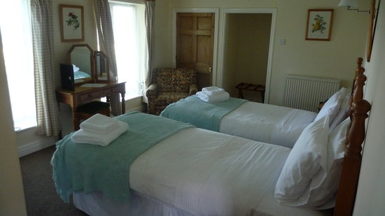 The Coppleridge Inn: room with two beds
