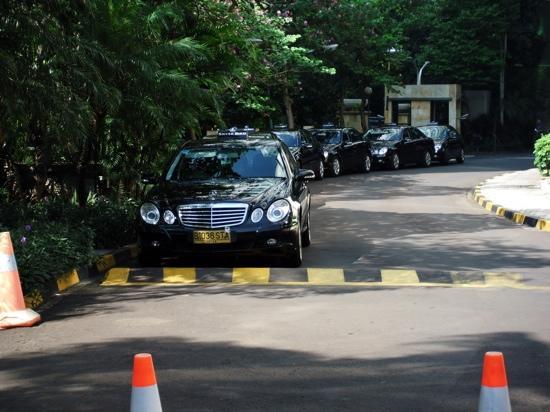 InterContinental Jakarta MidPlaza: タクシープール