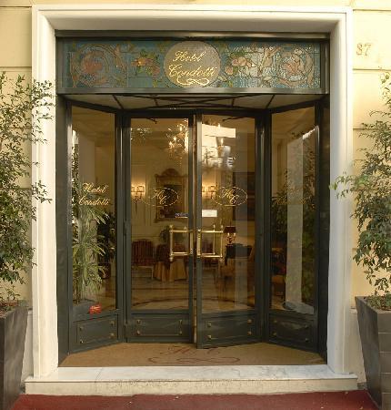 Condotti Hotel: Entrance