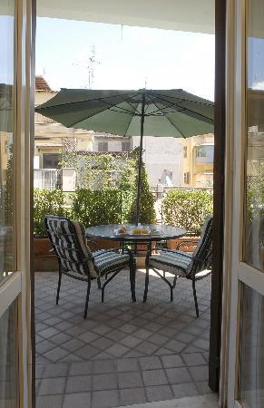 Condotti Hotel: Superior double room terrace