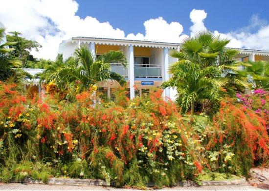 Residence Hoteliere Les Cayalines: Un hôtel très fleuri