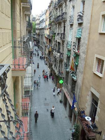 Hotel Catalunya: Veduta dalla camera direzione Rambla