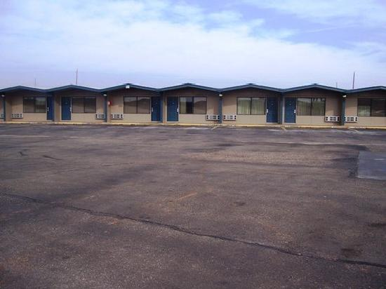 Childress Inn : Parking Lot