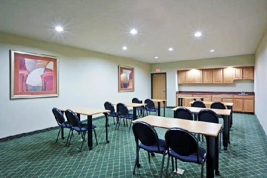 Holiday Inn Express Lincoln South: Meeting Room