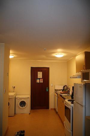 Clearbrook Motel Wanaka: Kitchen area