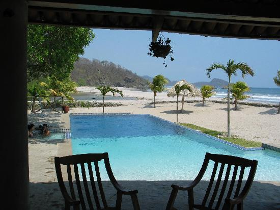 Hacienda Iguana: Iguana's Club House pool