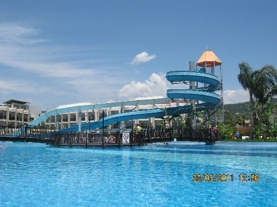 TUI Family Life Tropical Resort: The slides!