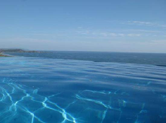 Cristal Azul: View from the pool, with our without a cold beverage!