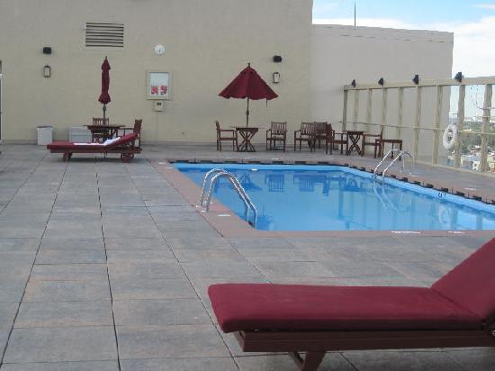 Warwick Denver Hotel: Rooftop Pool