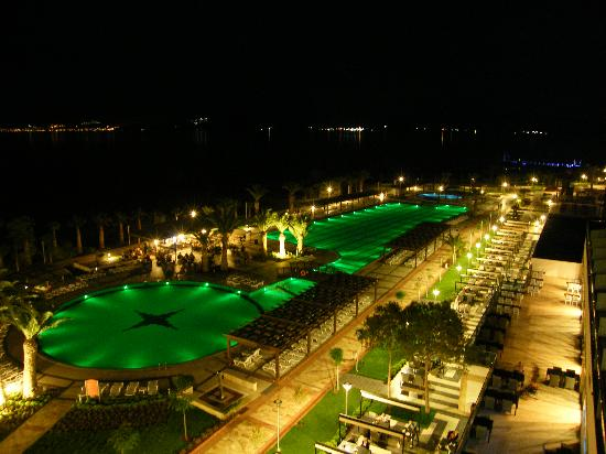 Venosa Beach Resort & Spa: to Green