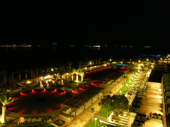 Venosa Beach Resort & Spa: to Red