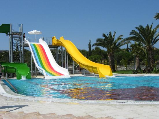 Venosa Beach Resort & Spa: Slide pool