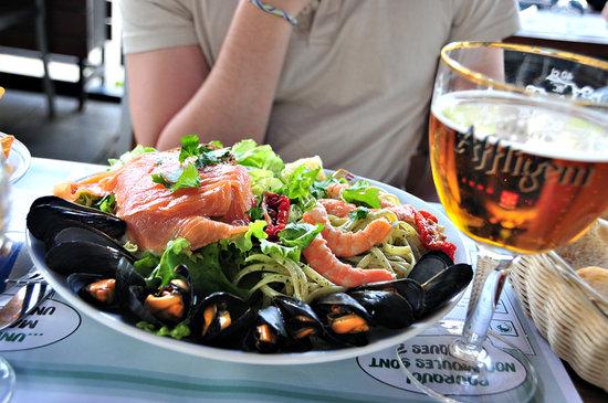 Leon de Bruxelles: Seafood with pasta