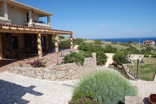 Hotel Villa Gustui Maris: Blick auf Berge & Meer