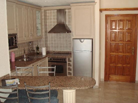 Regency Heights at Neptuno : Kitchen