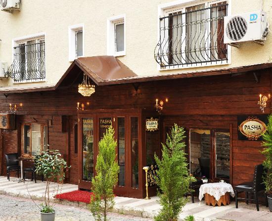 Pasha Moda Hotel : kaldığımız otelin giriş kapısı