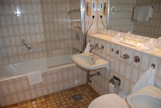 Hotel Ullensvang: Badezimmer