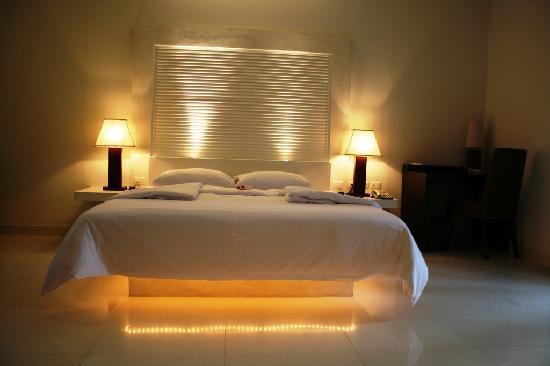 โรงแรม เดอะ ราชา: So, good night!