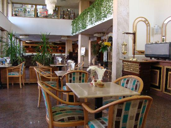 Baron Hotel Heliopolis Cairo: Kaffee und Lobby