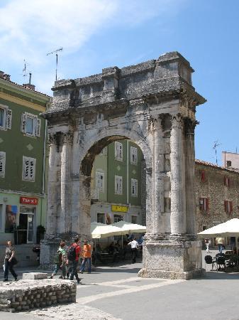 Πούλα, Κροατία: Pula, Roman Arch