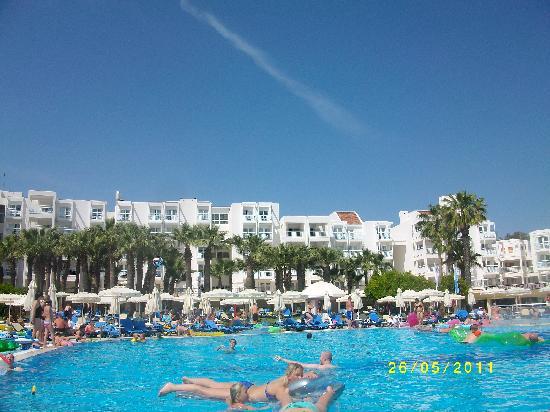 Otium Hotel Seven Seas: poolside