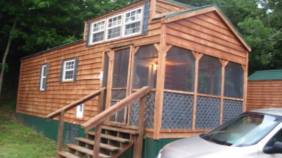 Basswood Country Inn and RV Resort: 8 Sleeper cabin