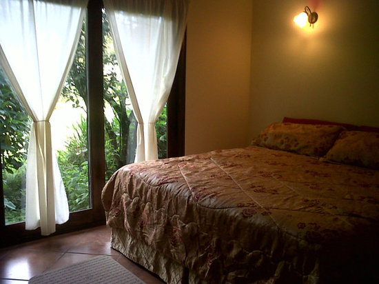 Valle Primavera: Apartment King Size $75.00 Double ocupancy, p/n