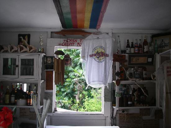Woody's Low Bridge Place : Inside bar area