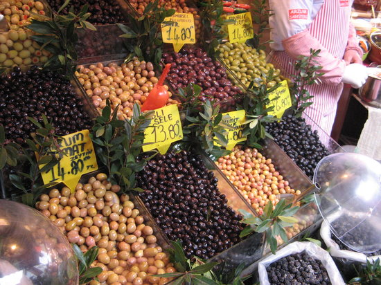 Turkish Flavours : Olives in Kadikoy