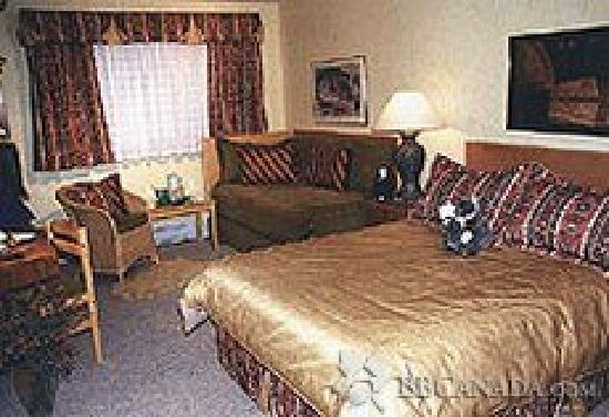Cedar Heights Bed and Breakfast: Sydney Room, Queen and Single bed
