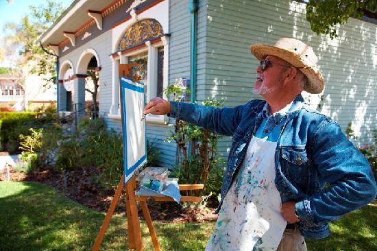 Oxnard, Kalifornien: Painting at Heritage Square