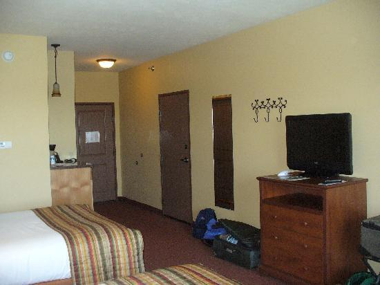 Arbuckle Lodge Gillette: room 331