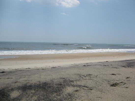 Dove Winds: Near by beach