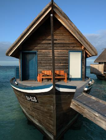 Cocoa Island by COMO: Dhoni Suite Entrance