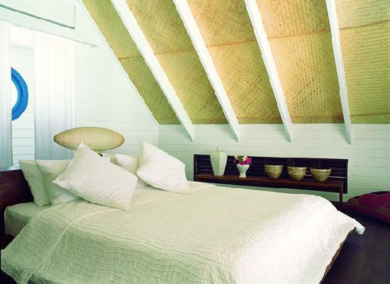 Cocoa Island by COMO: Dhoni Loft Suite Bedroom