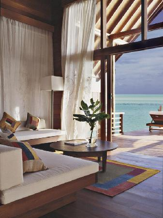 COMO Cocoa Island, The Maldives: Loft Villa Lounge