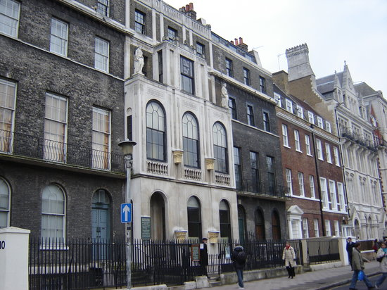 Sir John Soane's Museum: the museum - the white house