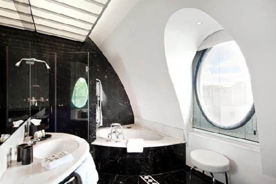 COMO The Halkin: Belgravia Suite Bathroom
