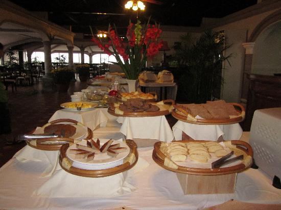 Indochine Hotel: various food