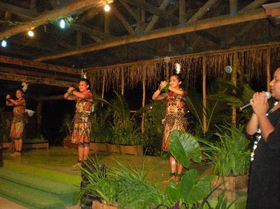 Liku'alofa Beach Resort: very good show