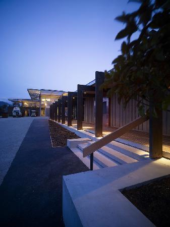 Mona Pavilions: Mona Wine bar