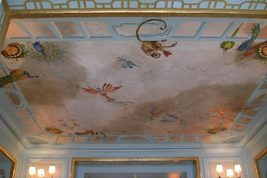 La Voile d'Or: Gorgeous ceiling in the Reception Area